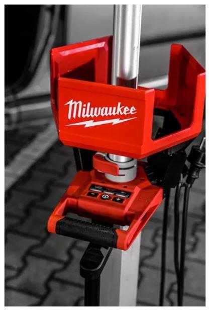 Milwaukee Akku-Leuchte mit Ladefunktion M18HOSALC-0