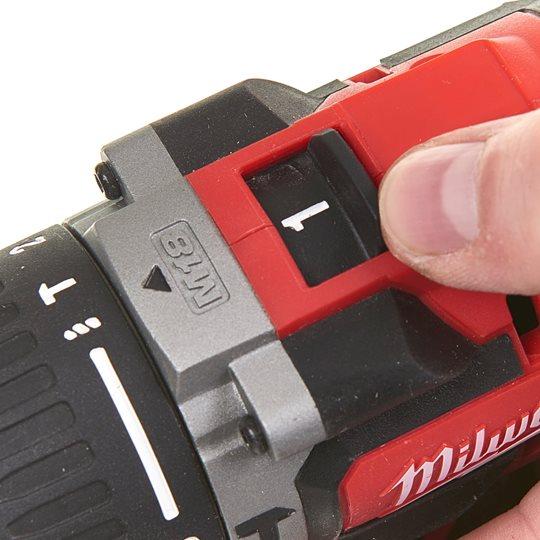 Milwaukee Kompakt-Bürstenloser Akku-Schlagbohrschrauber M18CBLPD-202C